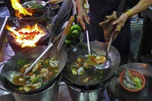 Quán ăn vỉa hè ở Thái Lan đạt sao Michelin có gì đặc biệt?
