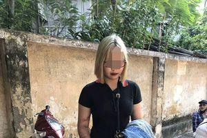 Bị dừng xe, 'hot girl' tóc trắng-vàng tông gãy xương chân cảnh sát
