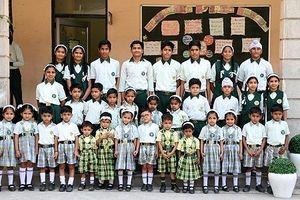 Trường Ấn Độ có 17 cặp song sinh khiến thầy cô bối rối