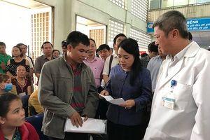 Bộ trưởng Nguyễn Thị Kim Tiến: Không thể để bệnh nhân đợi khám lâu như vậy