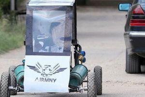 Sinh viên Ai Cập tự thiết kế xe chạy bằng không khí