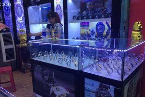 Hàng loạt đồng hồ cao cấp nhái thương hiệu bán tràn lan trên thị trường