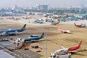 Tại sao 3 hãng hàng không tiếp tục đòi tăng giá vé dù đang lãi lớn?