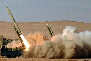 Iran liên tiếp ra mắt tên lửa dẫn đường giữa lúc căng thẳng
