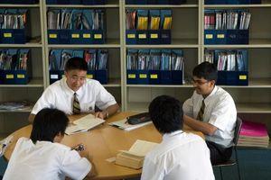 'Sốt xình xịch' bố mẹ Trung cho con sang Thái học trường quốc tế