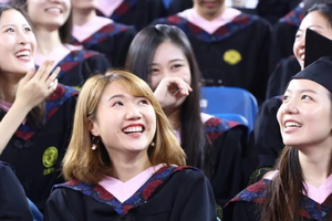Phụ nữ Trung Quốc 'khốn đốn' vì học hàm cao