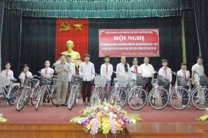 Thái Bình: LĐLĐ huyện Quỳnh Phụ tuyên dương các cháu học sinh giỏi, vượt khó