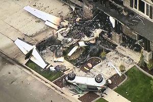 Cãi nhau với vợ, chồng lái máy bay đâm vào nhà...tự sát