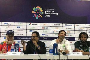 Thua đậm Olympic Việt Nam, HLV Pakistan thấy... 'hạnh phúc'