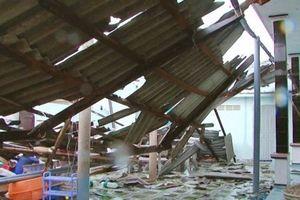Bình Thuận: Lốc xoáy, 63 nhà dân bị tốc mái, sập tường