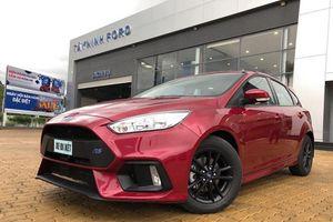 Ford Focus được đại lý nâng cấp ngoại hình để câu khách
