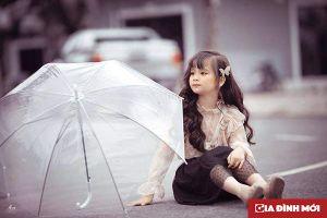 Bé gái lớp 3 ở Tuyên Quang thành mẫu nhí đầy triển vọng