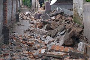 Indonesia hứng chịu trận động đất thứ ba, nhiều người hoảng loạn