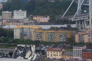 Cầu đường cao tốc ở Italia gãy sập sau mưa lớn: Ít nhất 22 người thiệt mạng