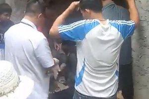 Hà Nội: Cắm máy bơm nước, một thợ xây bị điện giật tử vong