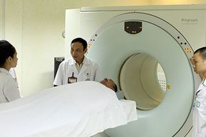 Chữa ung thư bằng 'thần dược': Mất tiền, thiệt thân