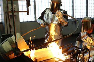 Nga thu siêu lợi nhuận từ giới sản xuất vàng