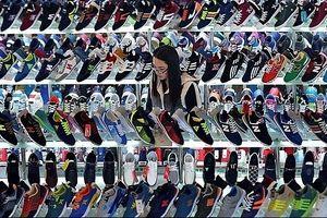 Trung Quốc khó dựa vào tiêu dùng nội địa để giúp một tay trong cuộc chiến thương mại