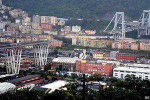Italy: Sập cầu kinh hoàng trên xa lộ ở Genoa, ít nhất 35 người chết