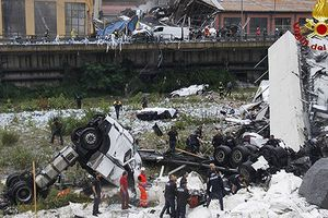 Italy yêu cầu lãnh đạo công ty quản lý cây cầu bị sập Morandi từ chức