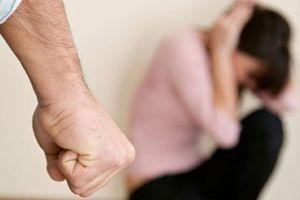 Vừa mất con được 58 ngày, chồng đã đòi li hôn vì vợ không chịu về sống với bố mẹ chồng