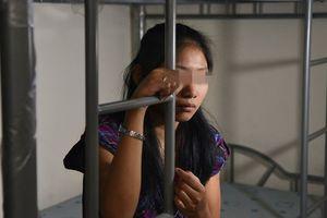 Nhìn thấy vết bỏng trên người con gái 6 tháng tuổi, mẹ ngỡ ngàng phát hiện hành vi ngược đãi của nữ giúp việc