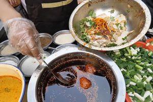 Có gì trong món lá sách bò trộn dầu ớt cay 'bốc hỏa' ở Tứ Xuyên?
