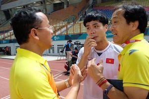 Trợ lý HLV Hàn Quốc dặn dò Công Phượng điều gì sau trận đấu?