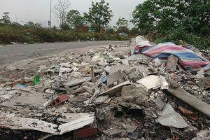 Nhức nhối vấn nạn 'rác tặc' bôi bẩn đại lộ nghìn tỷ