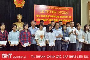 Hương Sơn có 20 học sinh đậu đại học từ 24 điểm trở lên