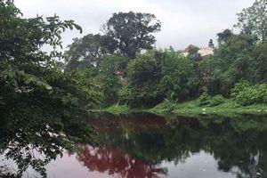 Phường Kiến Hưng, Hà Đông: Doanh nghiệp vô tư xả thải, nhuộm đỏ lòng sông Nhuệ
