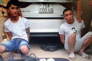 Vận chuyển ma túy tổng hợp bằng xe taxi