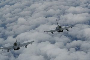 Thực hư việc Không quân Anh đuổi 6 chiến cơ Nga quay đầu trên Biển Đen