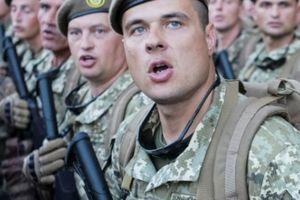 Ukraine khoe sức mạnh quân sự và đe dọa Nga sẽ 'đẫm máu'