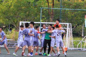 Hai đội bóng Đà Nẵng nghẹt thở vào chung kết