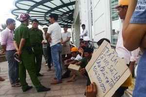 Nợ lương hơn 100 công nhân, nhà thầu TTTM Hòa Bình Green nói gì?