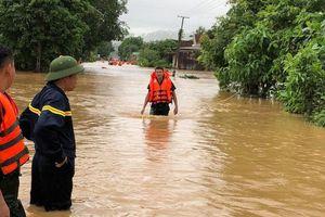 Mưa lũ và sạt lở đất tại Nghệ An khiến 5 người chết và mất tích