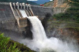 Hồ thủy điện lớn nhất Bắc Trung bộ vận hành, cắt giảm lũ hạ du