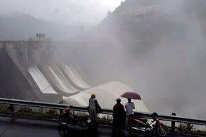 Đồng loạt thủy điện ở Nghệ An xả lũ, sẵn sàng di dân ở vùng trũng
