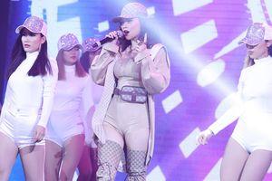 Hai hit cũ của Hồ Ngọc Hà lại gây bão tại CMG Awards