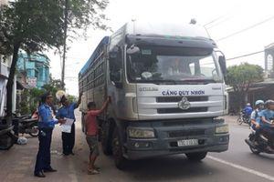 Liên ngành Bình Định 'giăng lưới' bắt xe cơi thùng, chở quá tải