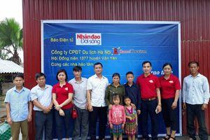 Báo điện tử Nhân đạo và Đời sống trao tặng Nhà Nhân ái cho 3 học sinh dân tộc H'Mông