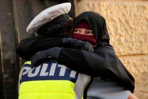 Châu Âu với việc cấm mạng che mặt