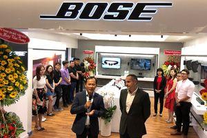 Mai Nguyên mở cửa hàng lớn ở Saigon Centre, thêm Bose sát bên cạnh