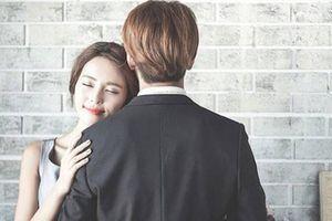 Buồn chán chuyện bị so sánh với 'người cũ', người chồng vướng vào lưới tình đồng nghiệp của vợ