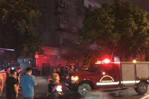 Hà Nội: Cháy tiệm vàng, nhiều người chạy toán loạn