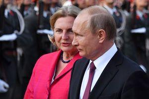 Ngoại trưởng Áo bị chỉ trích vì mời ông Putin đến dự đám cưới