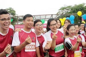 Rạng rỡ gương mặt bạn trẻ Agribank tại giải chạy gây quỹ từ thiện