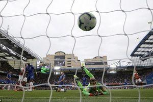 Chelsea đánh bại Arsenal dù có '15 phút kinh hoàng'