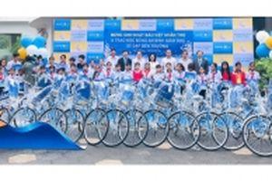 Tặng xe đạp cho trẻ hiếu học tại Sóc Trăng